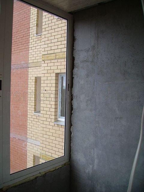 Как оштукатурить стены на балконе.